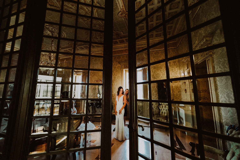 Photographer destination wedding intimate lake-garda