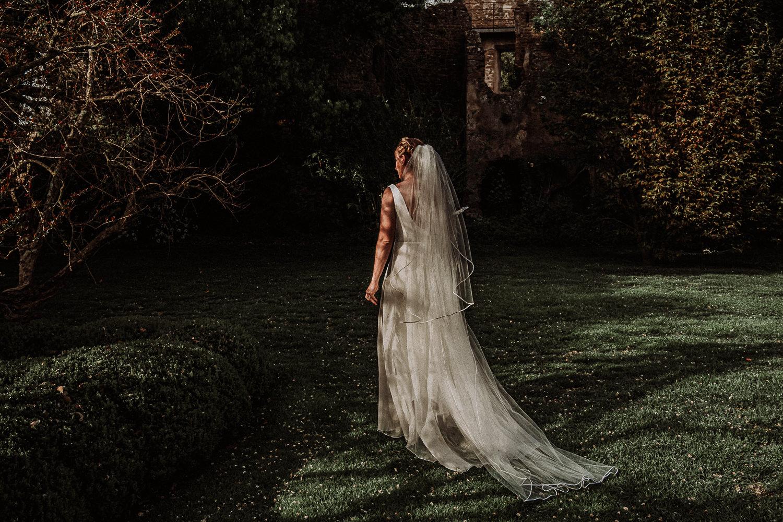 photographer destination wedding intimate Ravello Italy