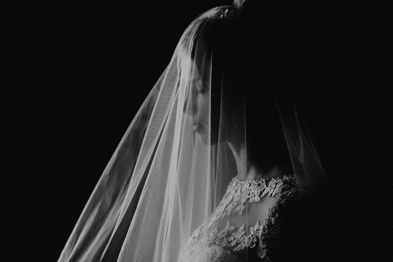 photographer puglia destination wedding intimate apulia reportage artistic creative puglia